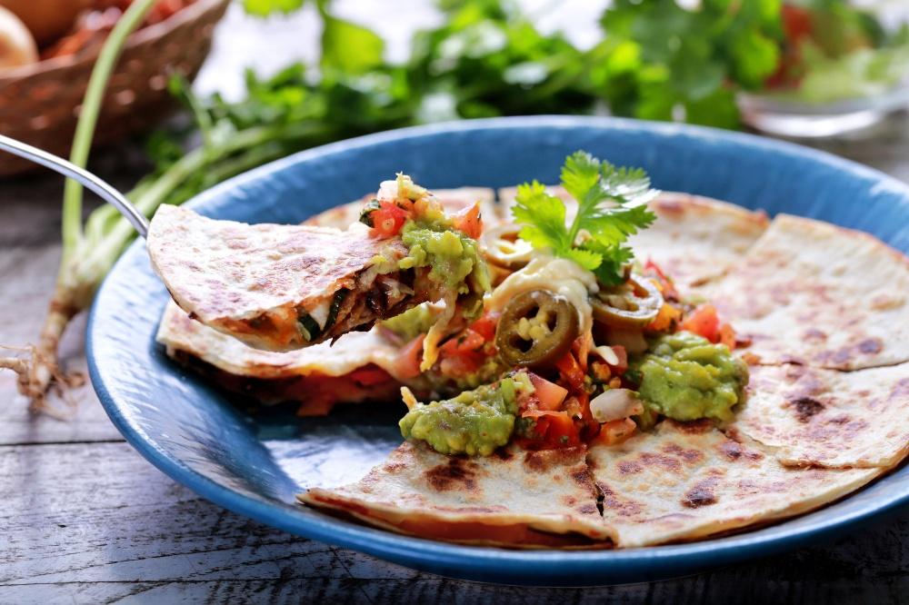 Super yummy gluten free veggie quesadillas! For more recipes and inspiration, visit: www.makeloveinthekitchen.com